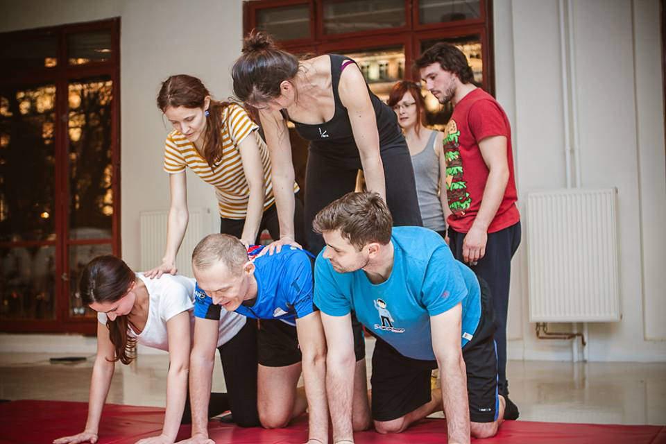 Corsi di acrobalance per ragazzi e adulti